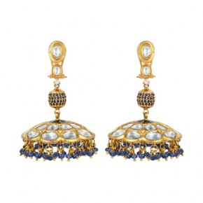 Dazzling chandeliers inspired earring