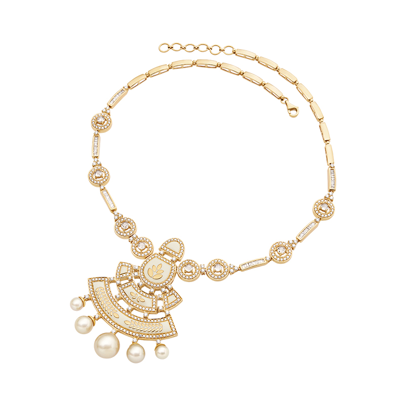 Gold leaf motif necklace  - IN00NZF