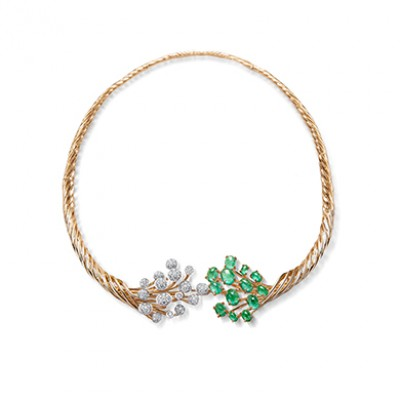 CROWN SHYNESS NECKLACE