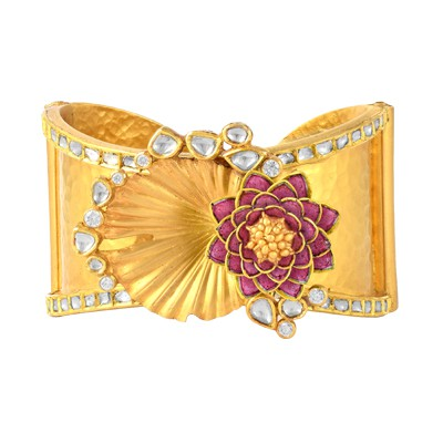 Pink banarasi lotus bangle