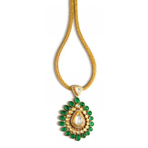 Lucknowi embroidered pendant